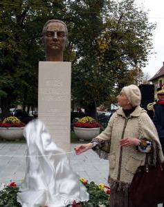 Dezvelirea statuii lui Mircea Ivănescu (foto: marturisitorii.ro)