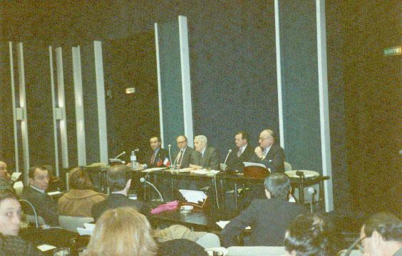 Conferinta_la_parlamentul_Francez