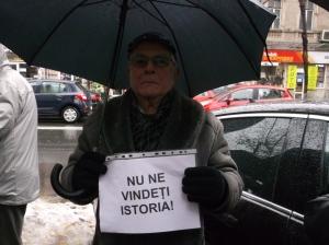 protest fata de vanzare sediu clemenceau-4 dec. 2014-02