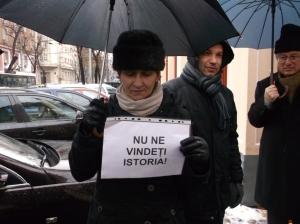 protest fata de vanzare sediu clemenceau-4 dec. 2014-07