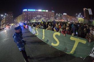 rezist Bucuresti 5 noiembrie-02